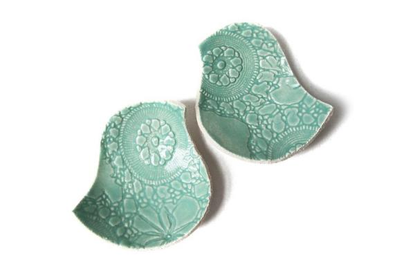 Keramikschüsseln in Vogel-Form
