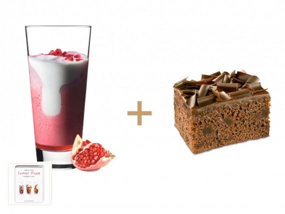 Schoko Brownie mit Joghurt Erdbeer Granatapfel Pepper Smoothie