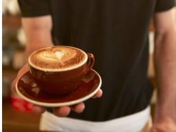 Milch aufschäumen – Die Kunst auf dem Kaffee