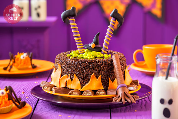 halloween kuchen mit der lizenz zum gruseln. Black Bedroom Furniture Sets. Home Design Ideas