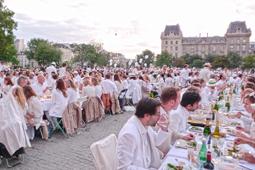 White Dinner – Ganz in Weiß unter freiem Himmel