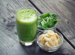 Green Smoothie und Dinkelbrötchen – die perfekte Mahlzeit