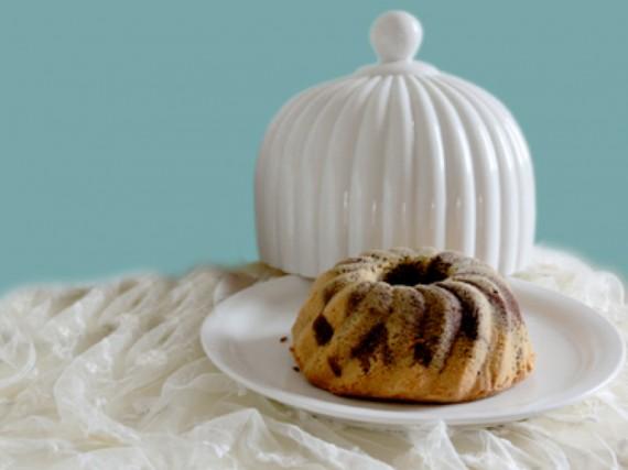 Kuchenglocke in ihrer edelsten Form - so bleibt Kuchen frisch.