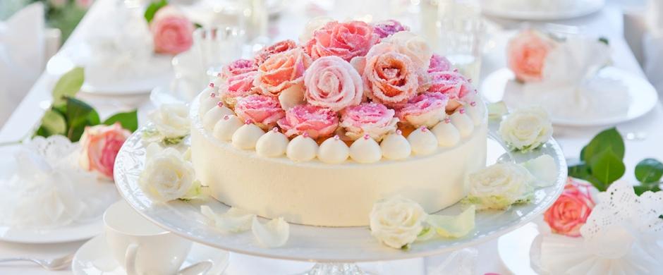 Hochzeit: Torte selber verzierenWir sagen ja, ja, jaaaaaaaa!