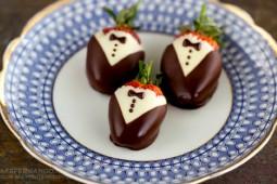 Jetzt gibt's was auf die… Erdbeere!