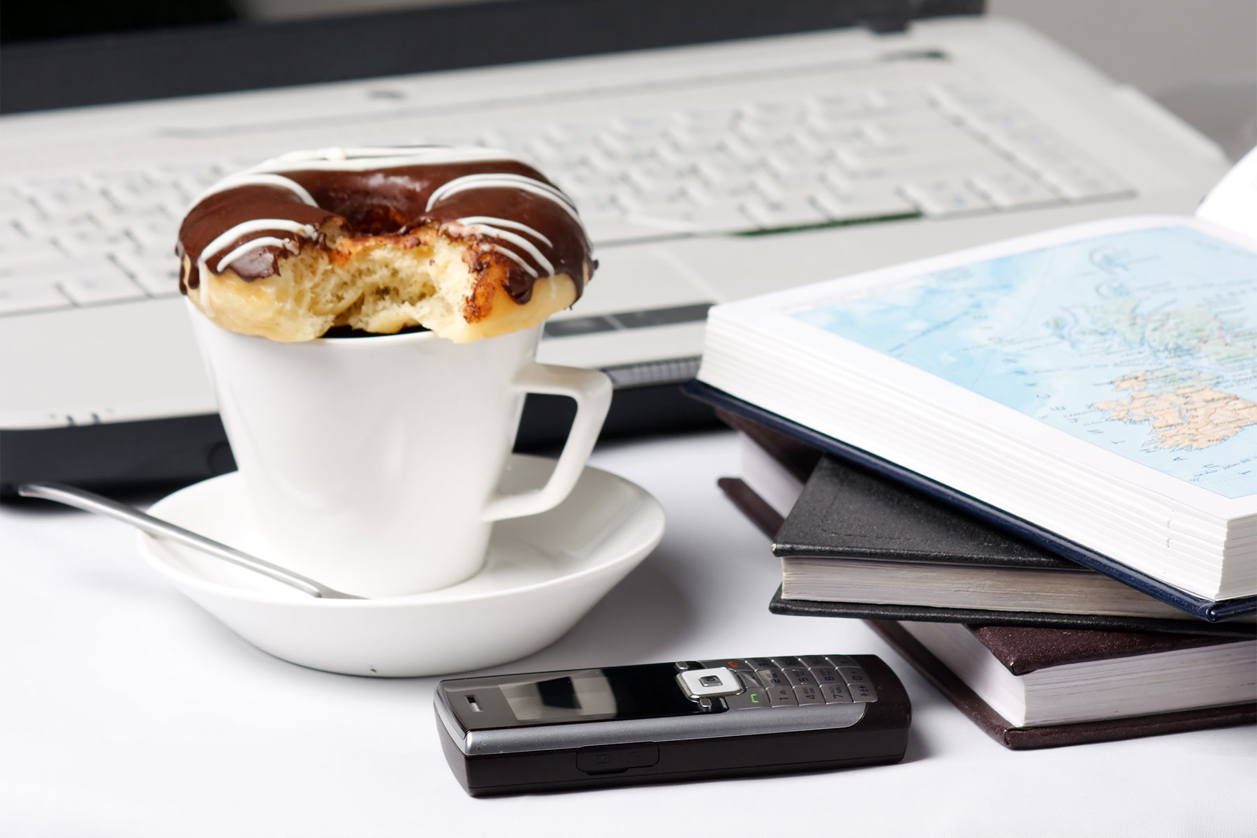 brownie rezept mini guglhupf schnelle s e snacks f r kollegen. Black Bedroom Furniture Sets. Home Design Ideas