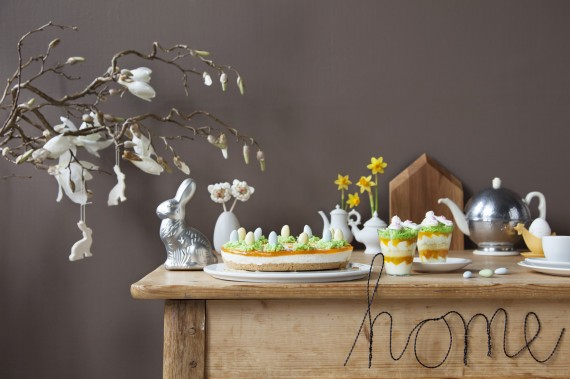 Ostern-Torte-Oster-Eier-Kaffee-Tisch-Dekoration