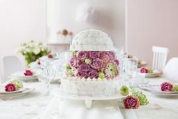Ein Hochzeits-Torten-Traum in Weiß und Pastell