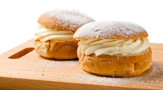 Schweden-Kuchen-Kaffee-Semlor-Windbeutel