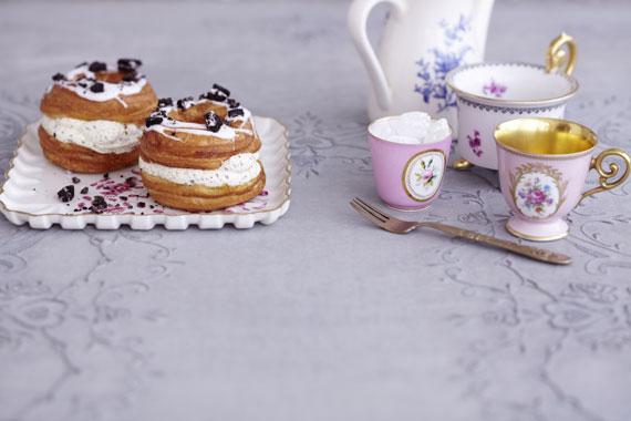 030_1-Cookies-and-Cream-Cronuts_web