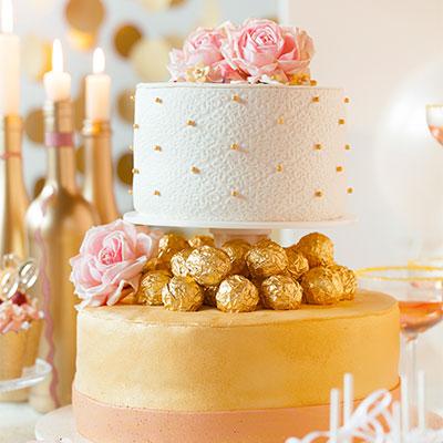 Hochzeitstorte Rezept und Deko im Goldmantel mit viel Glamour