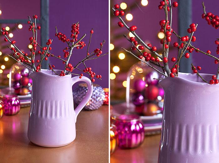Blumendeko in Vase passend zur Weihnachtstorte mit Kugeln