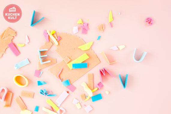 Torte verzieren Buchstaben