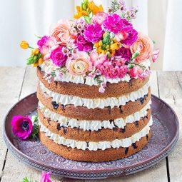Torte zur Hochzeit Rezept als Naked Cake mit Blumendeko