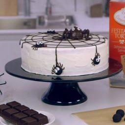 Videoanleitung: Halloween-Spinnen-Torte 1