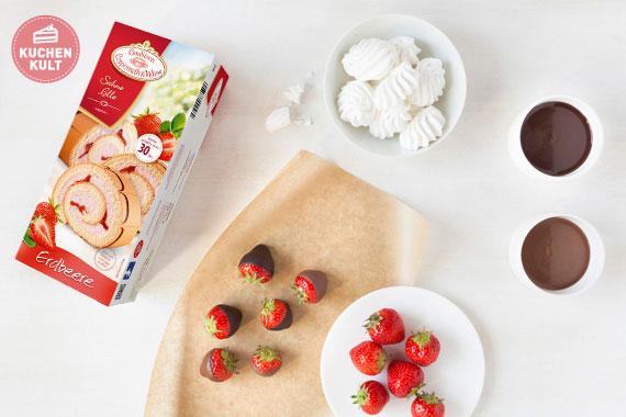 Erdbeer-Sahne-Rolle-Conditorei-Coppenrath-und-Wiese-Dessert
