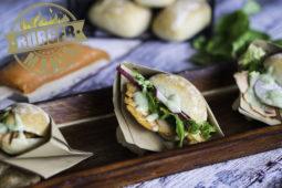 Lachs Burger Rezept mit Estragon-Buttermilch-Creme – die BURGER-MANIA