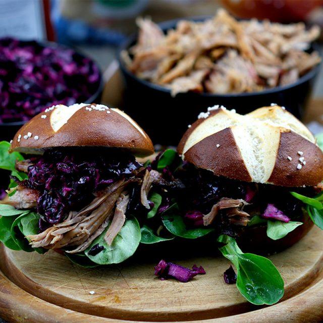 Pulled Pork Burger mit Rotkohlsalat – unsere BURGER-MANIA 5