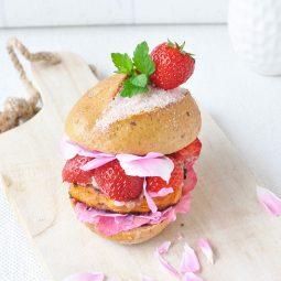 Süßkartoffel Burger Rezept mit Rosenpesto – Die BURGER-MANIA 3