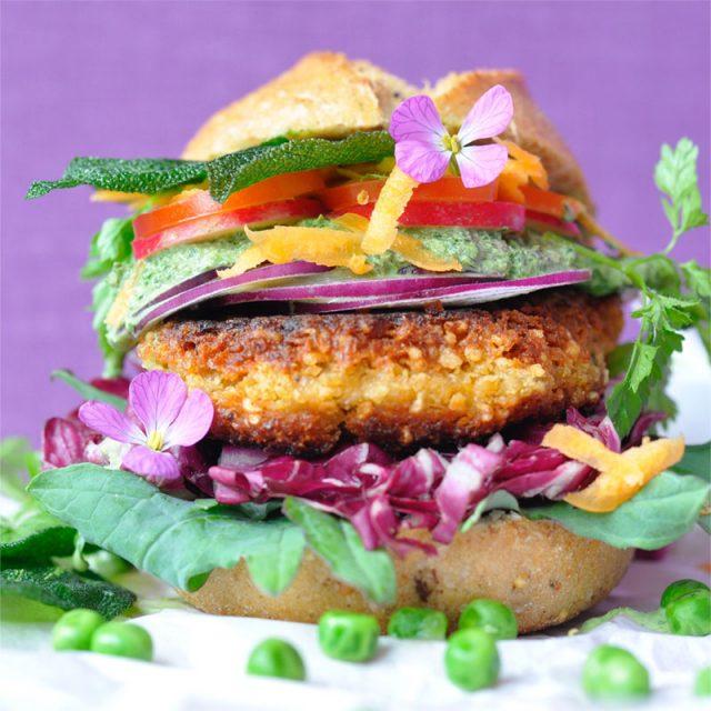 """Vegetarischer Burger: Rezept für den """"Wilden Gartenburger"""" bei der BURGER-MANIA: 1"""