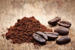 Kaffee-Hacks: Das könnt ihr alles mit eurem alten Kaffeesatz machen!