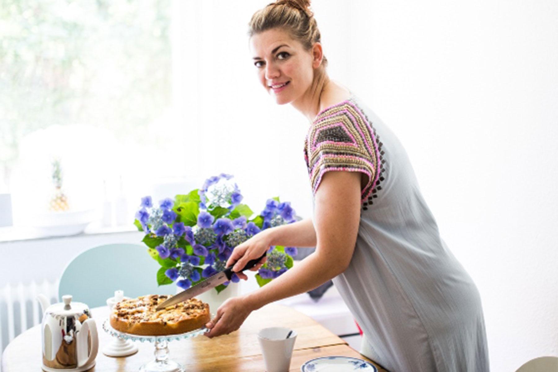 Auf ein Stück Kuchen bei: Nina Bott 3