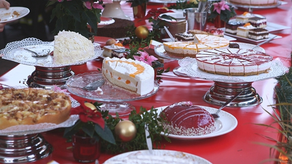 Überraschungs-Party, Amiaz Habtu, Coppenrath & Wiese-Kuchenparty, Höhle der Löwen, Torten, Kuchen, Desserts