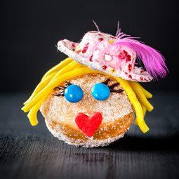 Mini-Berliner Rezept und Idee für Deko als lustiger Kuchen für Karneval