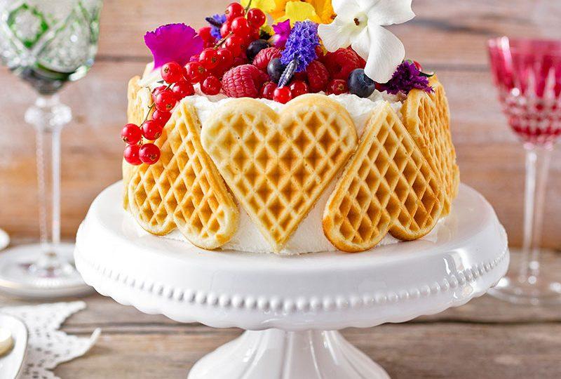 Mutti-Frutti-Herzchen-Torte zum Muttertag