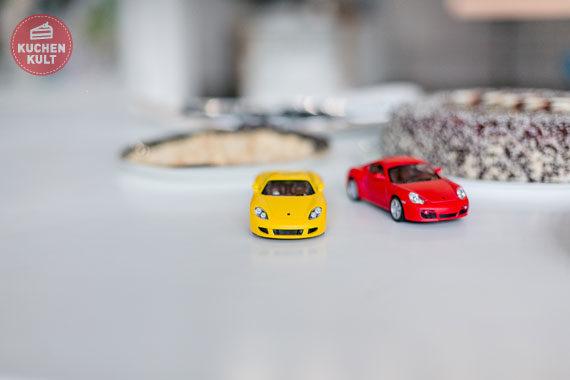 Rennfahrer Auto Cars Torte Jungs Kindergeburtstag einfaches Rezept