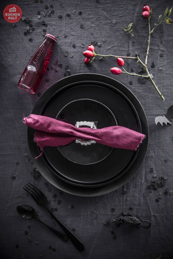 Halloween-Torte-Buffet-Snacks-Rezepte-Gothic -Deko