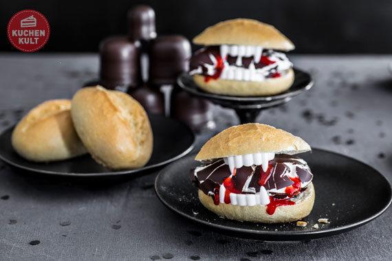 Halloween-Torte-Buffet-Snacks-Rezepte-Brötchen-Matschbrötchen mit Gebiss