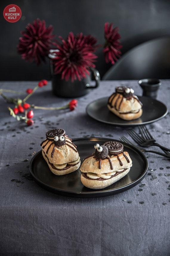 Halloween-Torte-Buffet-Snacks-Rezepte-Brötchen-Spinnen