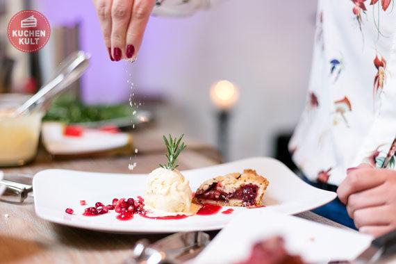 Blogger-Event #tasteofdecember Coppenrath & Wiese, Dr. Oetker, Henkell, Nora Lange, Pflaumenkuchen als Dessert zu Weihnachten