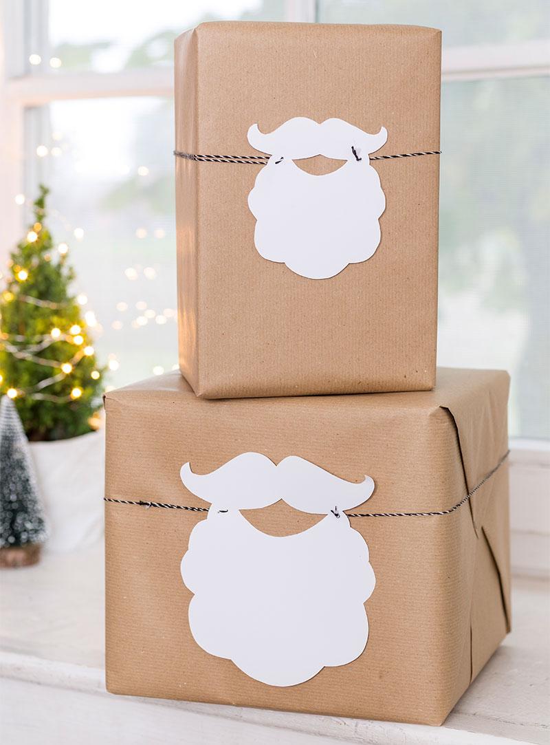 Geschenke selbst verpacken und als Deko zum Kuchen platzieren