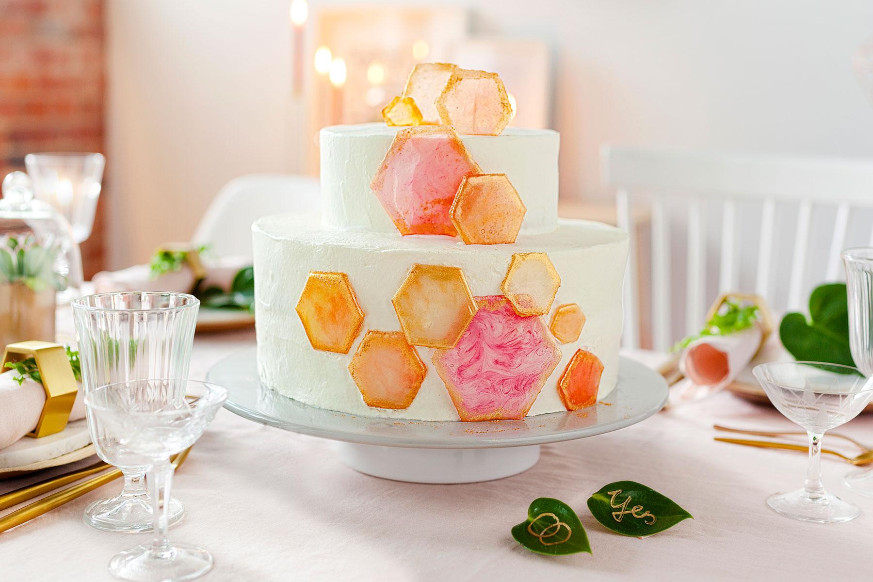 Hochzeitstorte Rezept und Inspiration mit geometrischen Formen