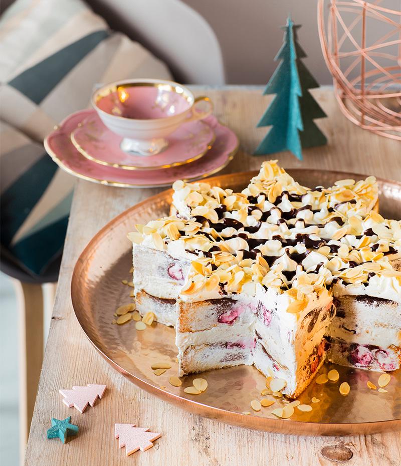 Tortenstern selbst dekoriert als Weihnachtskuchen