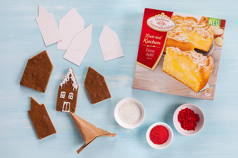 Zutaten für Weihnachtskekse aus Lebkuchen mit Deko