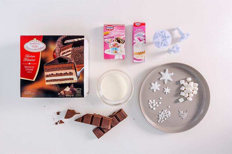 Zutaten Weihnachtstorte aus Schokolade mit Fondant als Deko