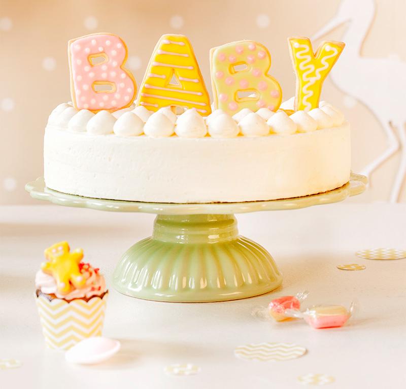 Baby Shower Torte für Babyparty selbst dekoriert