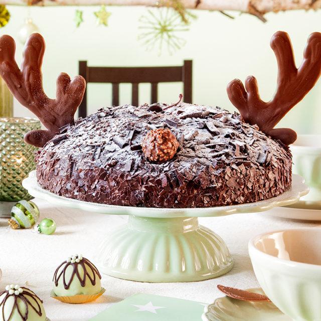 Weihnachtstorte Rezept und Deko mit Schokoladengeweih