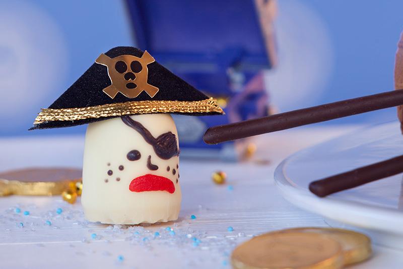 Piratendeko Zubereitung für Kindergeburtstagstorte
