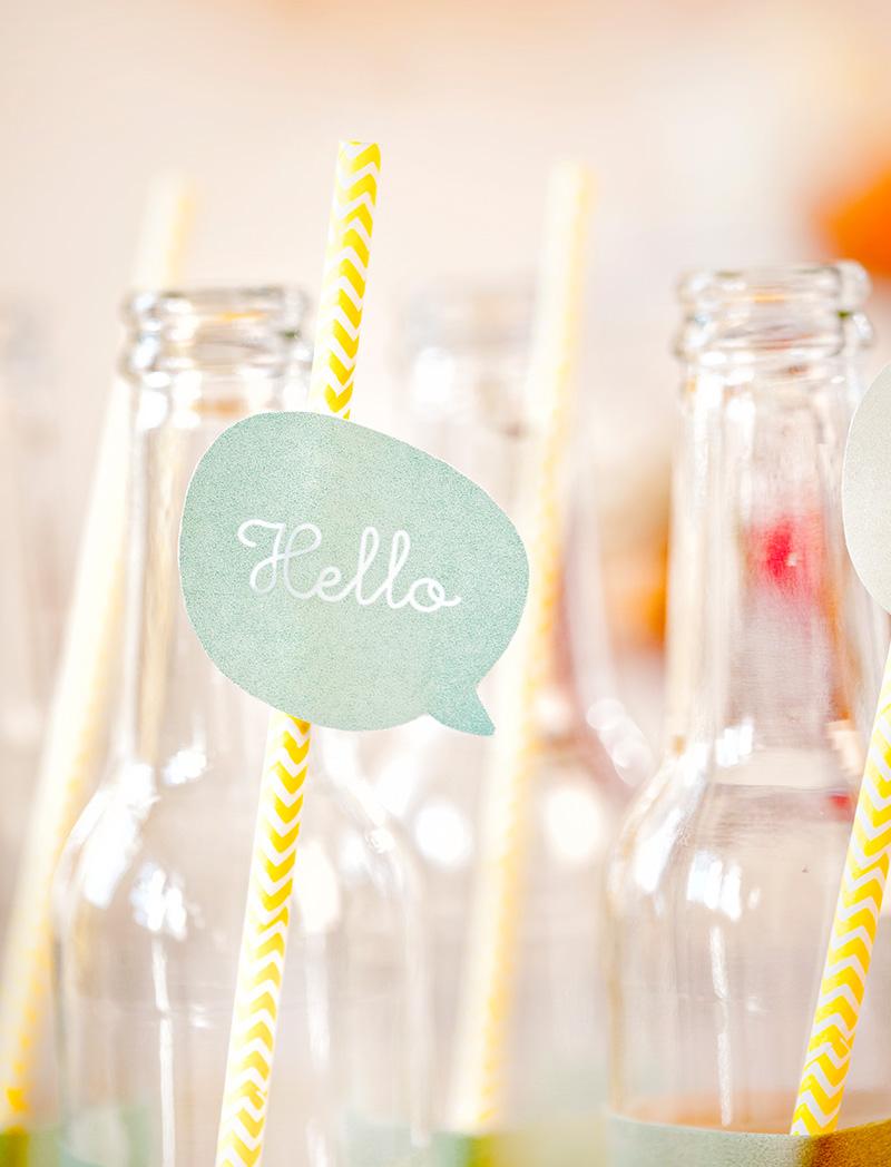 Strohhalme dekoriert für Babyparty Junge oder Mädchen