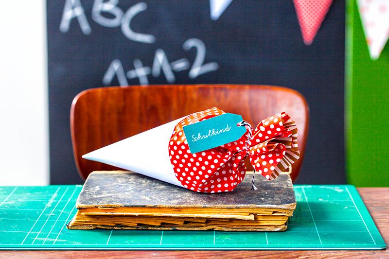 Tischdeko Schulanfang mit Schultüte für Jungen und Mädchen
