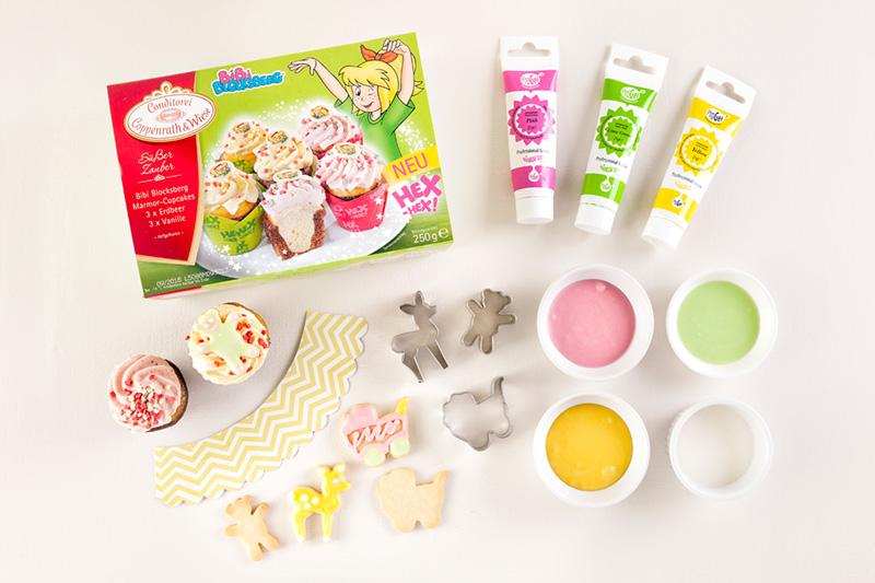 Zutaten Cupcakes für Babyparty mit Kinderwagen dekoriert