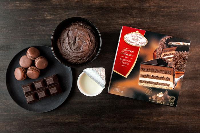 Zutaten für Geburtstagstorte mit Schokoladendeko und Macarons