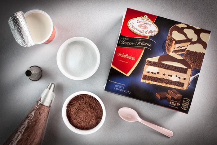 Zutaten Geburtstagstorte aus Schokolade mit auffälligem Dekor