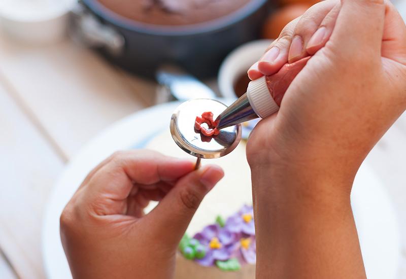 Buttercreme-Rosen – so einfach gelingen sie! 1