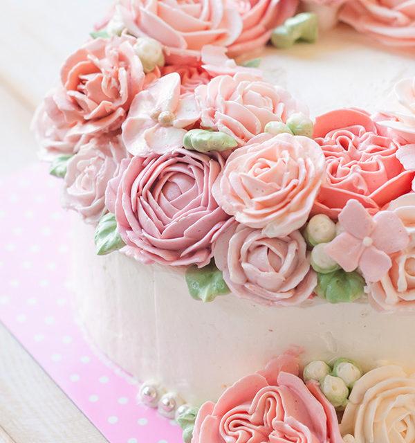Buttercreme-Rosen – so einfach gelingen sie! 2