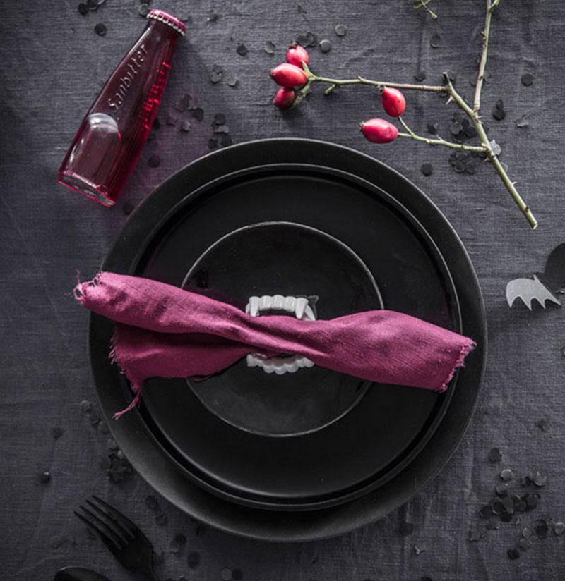Dekoration für Halloween Kuchen mit Dracula-Gebiss